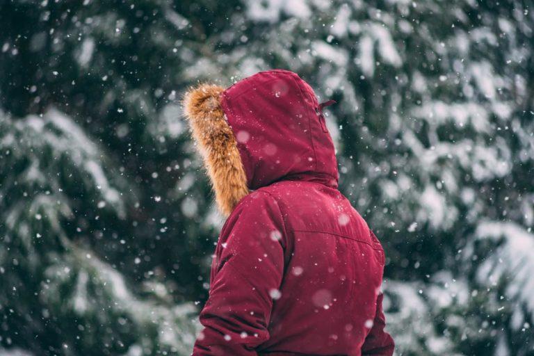 Na co zwrócić uwagę wybierając okrycie wierzchnie na zimę